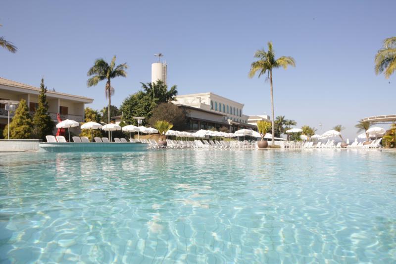 Paradise-Resort_Piscina-Climatizada_800x533