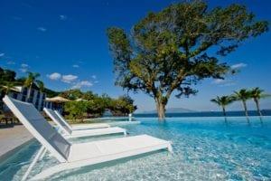 piscina-calma-alta